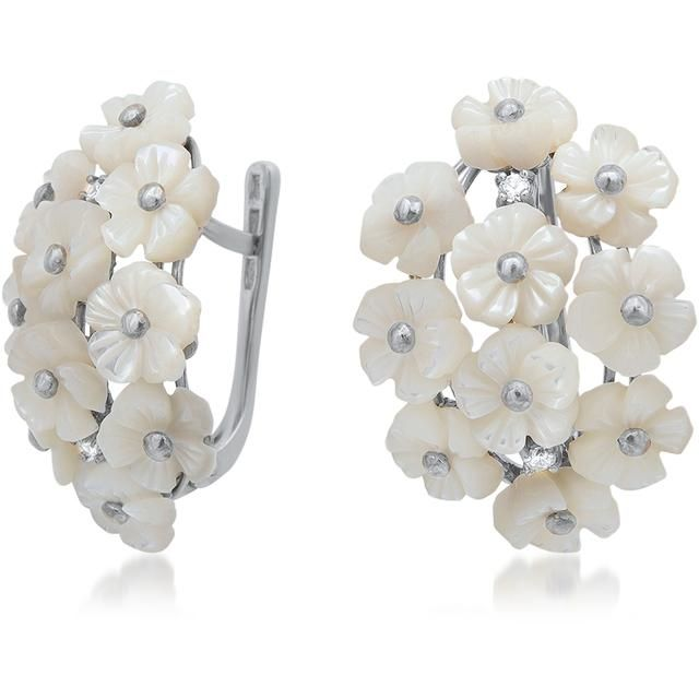 Fleur Collection Silver Earrings With White Mother Of Pearl Flower By Drukker