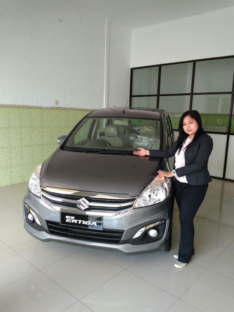 Sales Marketing Mobil Di Dealer Suzuki Batang Memberikan Informasi Alamat Showroom Harga Terbaru Promo Paket Kredit Diskon Ca Mobil Baru Mobil Mobil Bekas