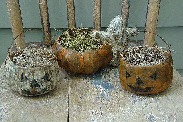 Rustic, primitive, charmingly shabby papier-mâché Halloween pumpkin containers. #vintage #shabby #chic #rustic #country #primitive #pumpkins #decor #decorations #moss #crafts