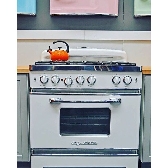 a big chill retro stove in classic white brings the combination of modern day cooking and a big chill retro stove in classic white brings the combination of      rh   pinterest com