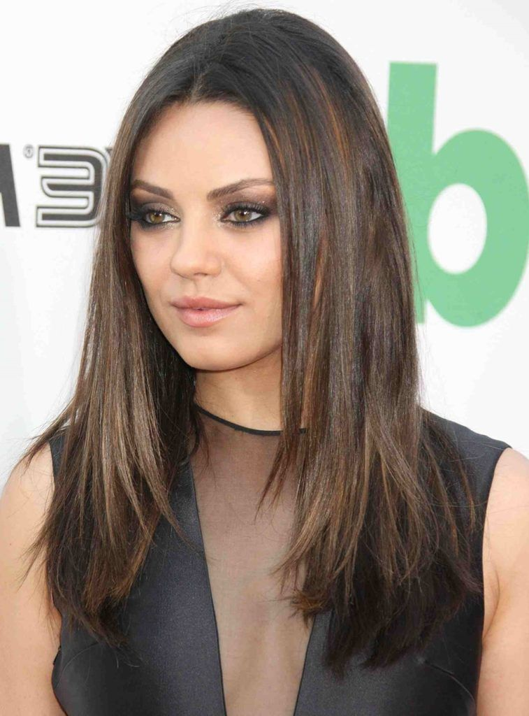 20 Popular Straight Hairstyles for a Round Face | Long bob hairstyles, Medium length hair with ...