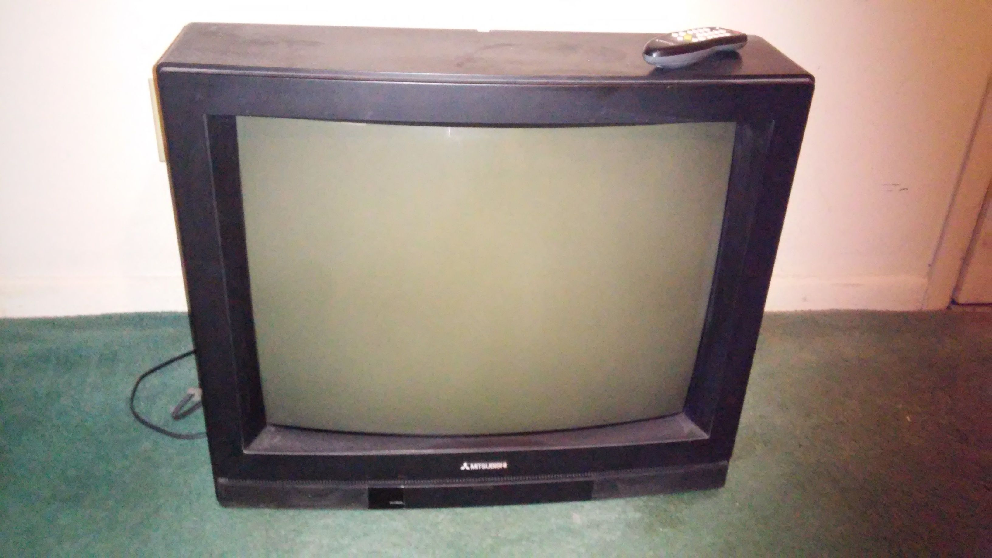 19 Inch Mitsubishi T V In Victorious Garage Sale Atlanta Ga Garage Sales Box Tv Mitsubishi