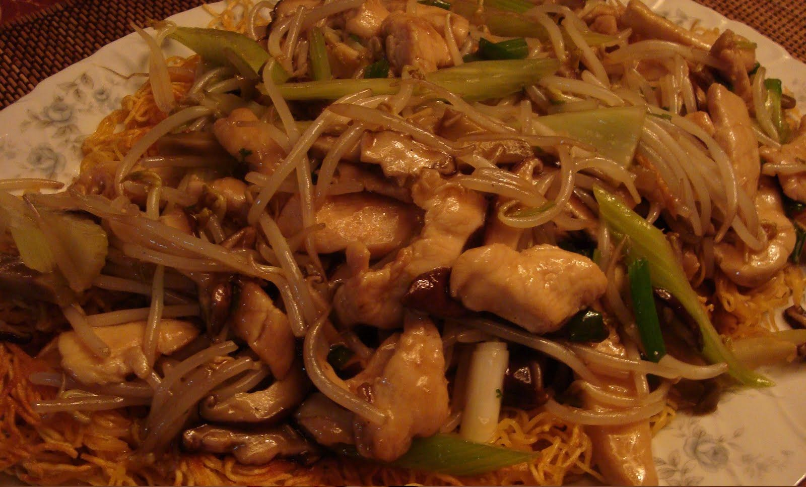 chinese restaurants used to serve chicken chow mein using