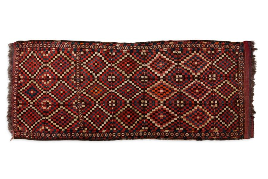 Curieux et original ERSARI (Turkmen), fin XXème siècle  A semis de losanges en…