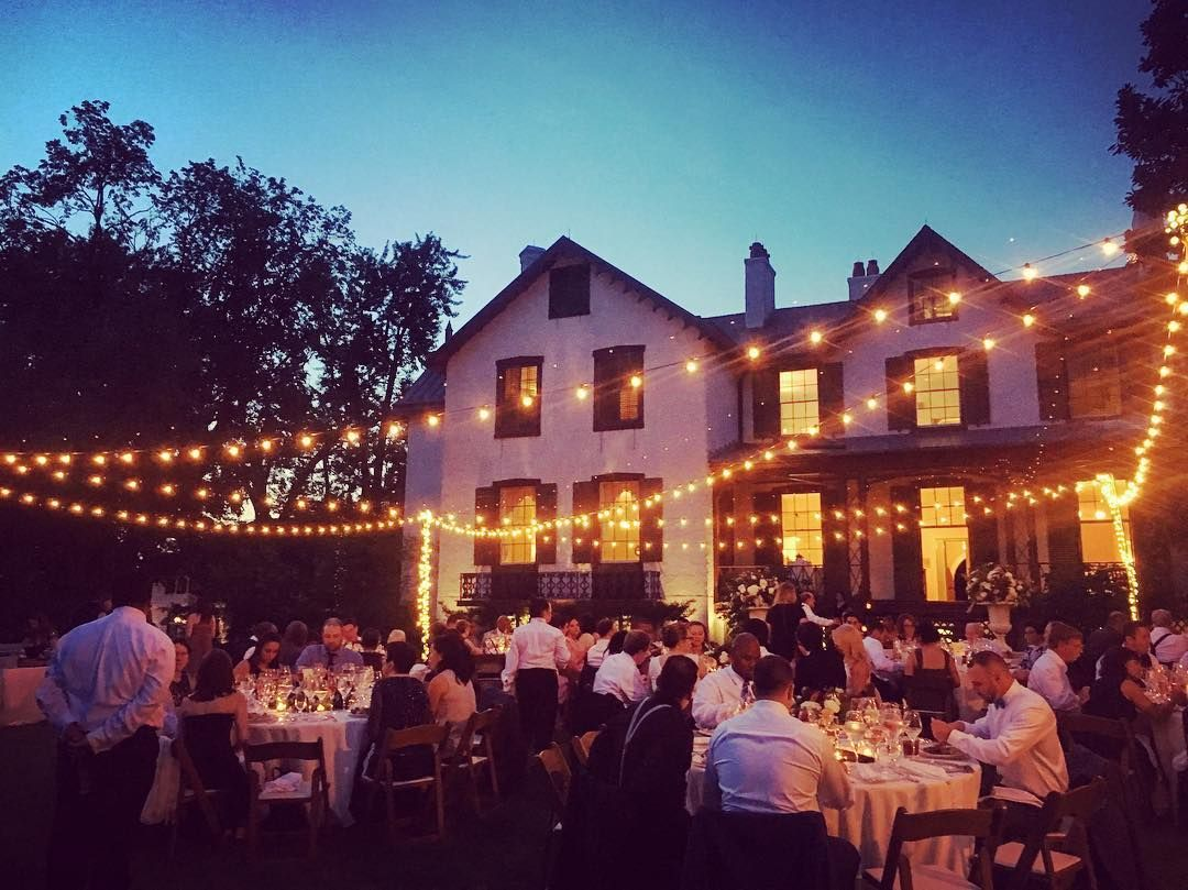 Our President Lincoln S Cottage Wedding With Bistro Lights Cottage Wedding Bistro Lights Cottage