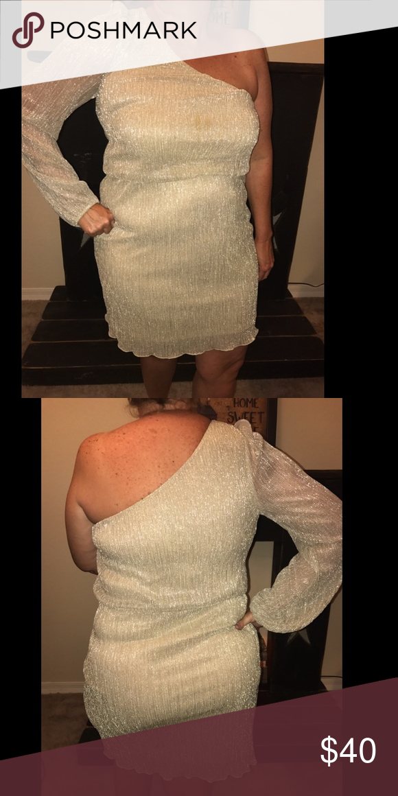 Dress Another one of my moms gorgeous dresses! Worn only once! Would be great for a Christmas party or NYE party! Or for any special occasion! Womens size 12, shimmering gold! Asking for 40 but can negotiate! Coming from a pet free, smoke free home 😇 Dresses One Shoulder