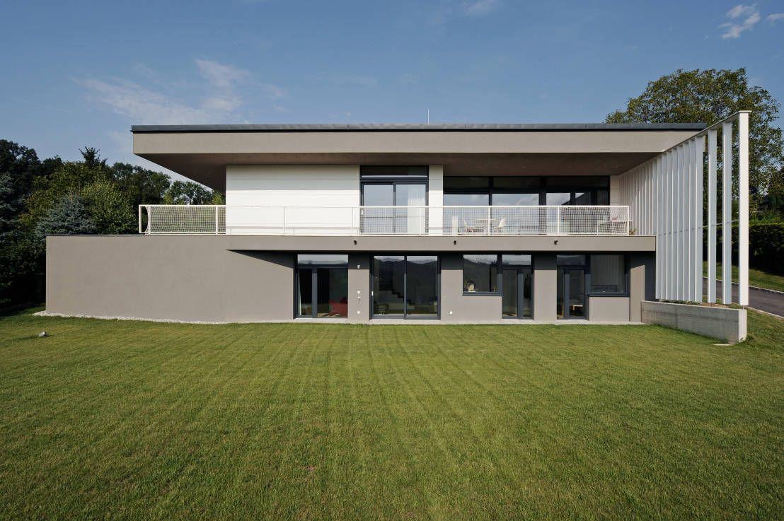Moderne häuser mit terrasse  Verkehrte Welt | Terrasse und Häuschen