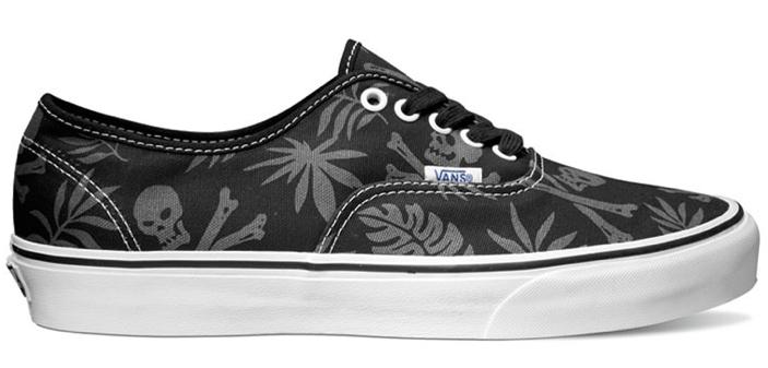 Vans Van Doren Authentic Black Aloha Skull Skate Shoes