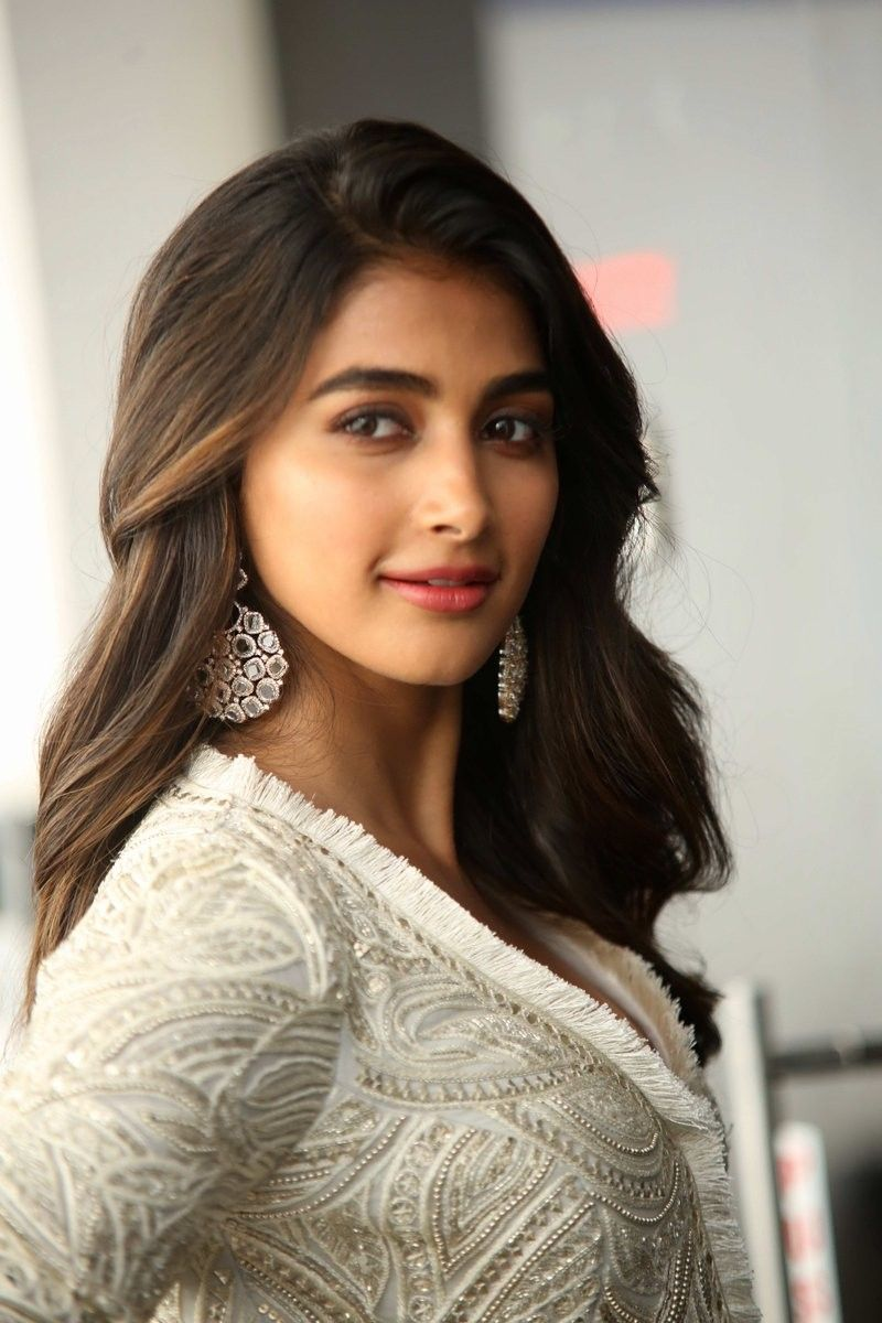 pooja hegde | pooja hegde in 2019 | indian actresses, bollywood