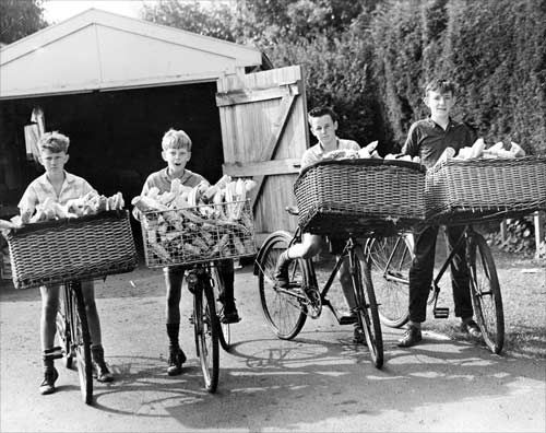 1950s Christchurch Star Delivery Boys Have Specially Made Baskets