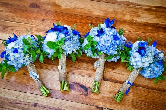 Bright blue hydrangeas for everyone in the bridal party | Amy-Marie Kay Photography | The Lovely Find