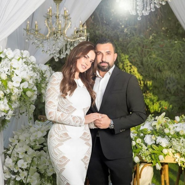 فستان عقد قران أنيق لدرة بتوقيع زهير مراد Laflef Com Mariage Bridesmaid Dresses Beautiful Indian Actress