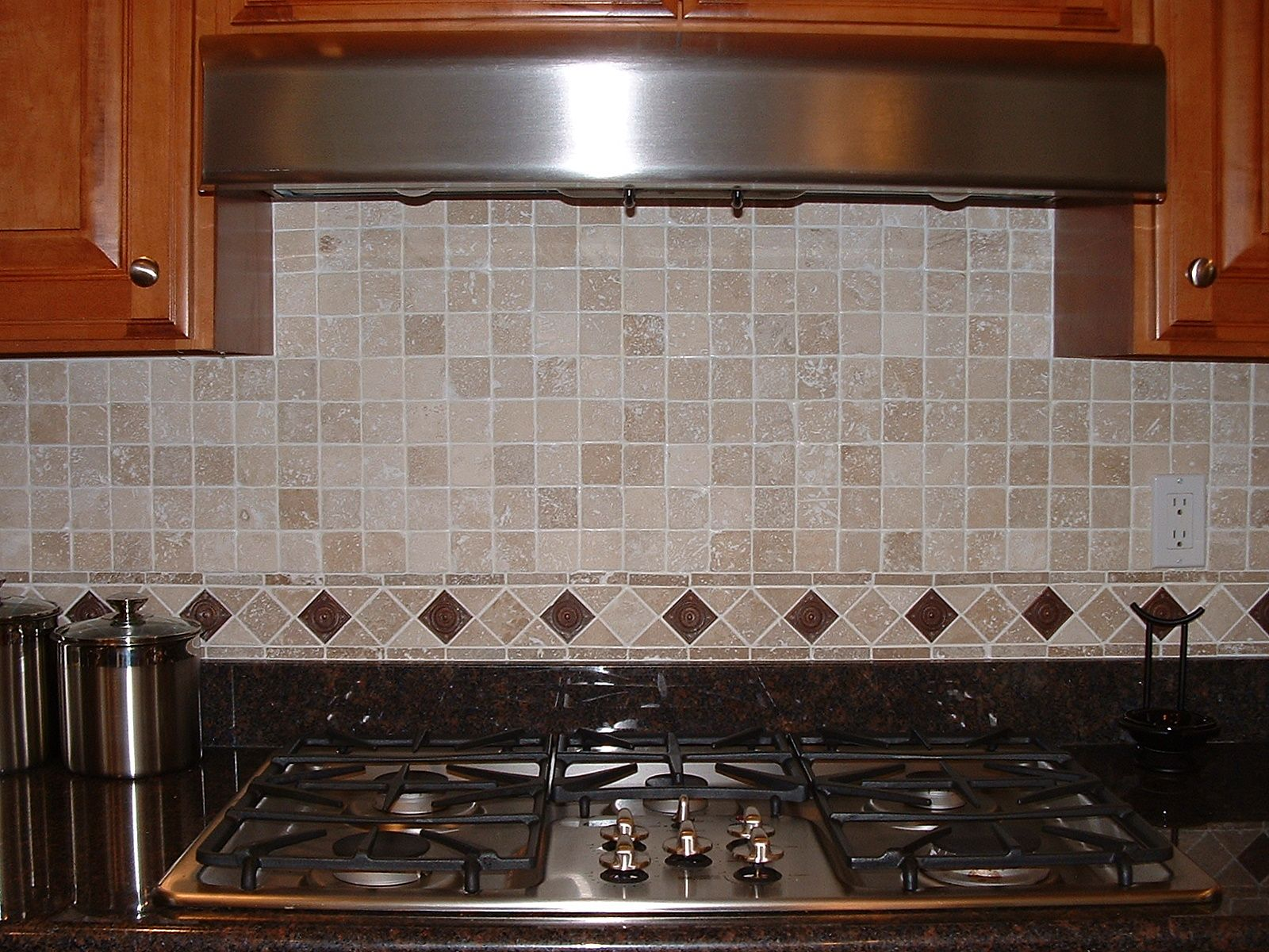 Backsplash designs kitchen classic subway tile Inexpensive kitchen backsplash