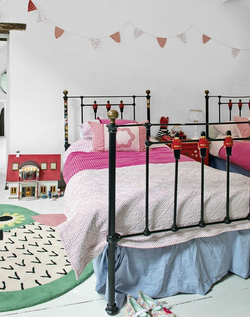 country twin girl s room with colourful accessories and bunting rh pinterest com