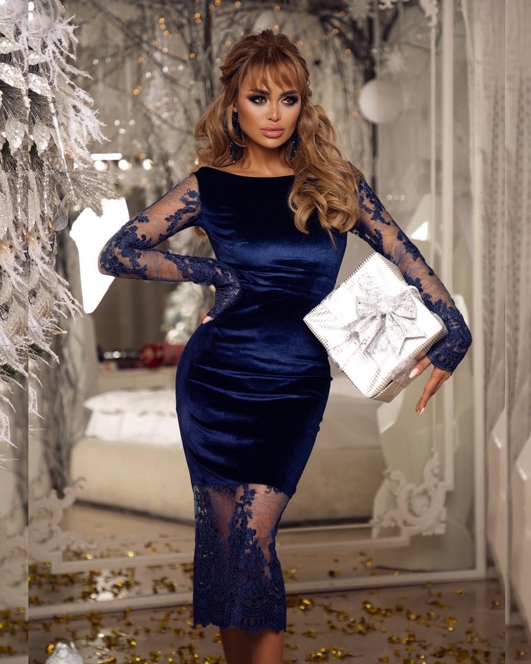 dbe9eba9a8d86f Бархатное вечернее платье с отделкой из люксового кружево глубокого синего  цвета