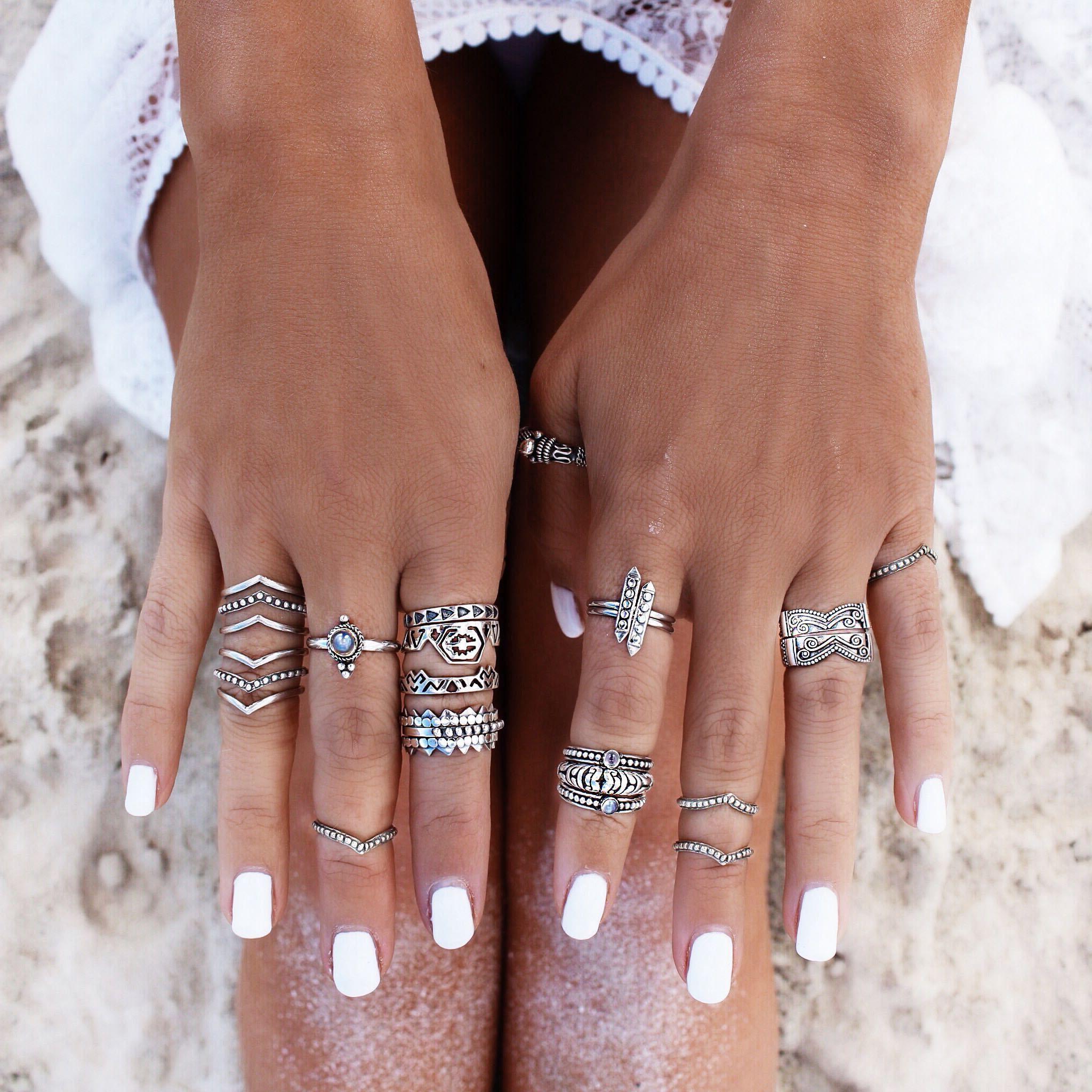 16 Cute Charm Bracelet Tattoos: Boho Jewelry // Rings, Bracelet, Necklace, Earrings