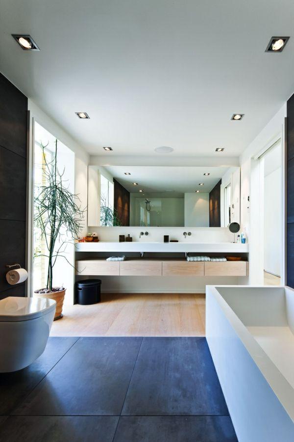 schönes Badezimmer mit toller Einrichtung | Bad und Toilette ...