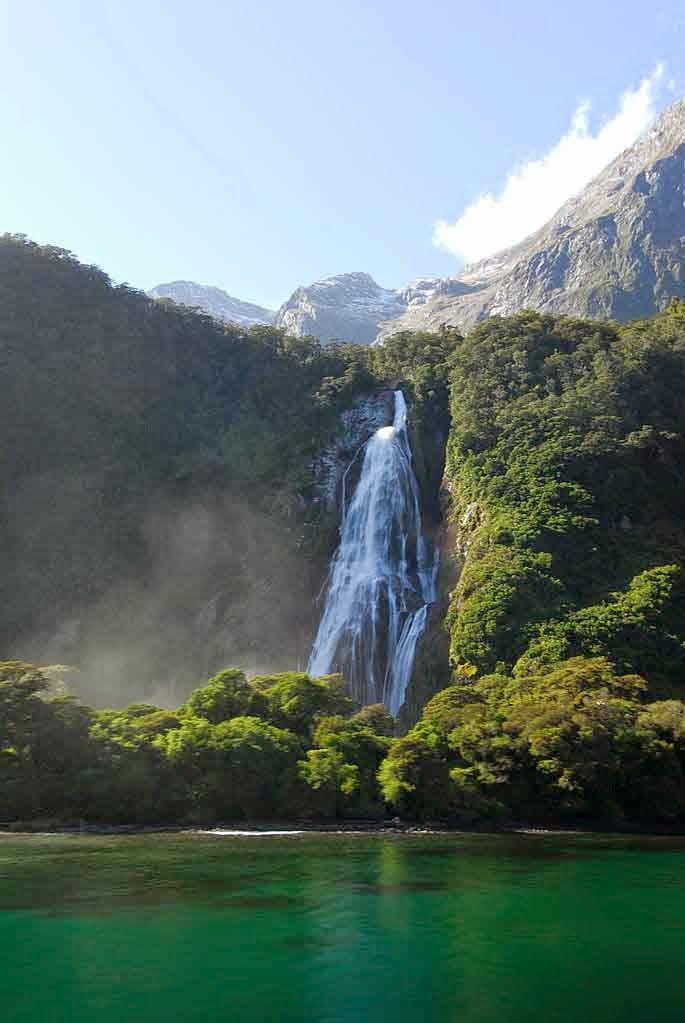 Milford Sound, New Zealand - holidayspots4u
