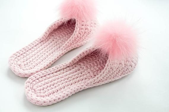 fc37629b1f231 Slippers for women with a pom pom - Wedding slippers - Pink slippers ...