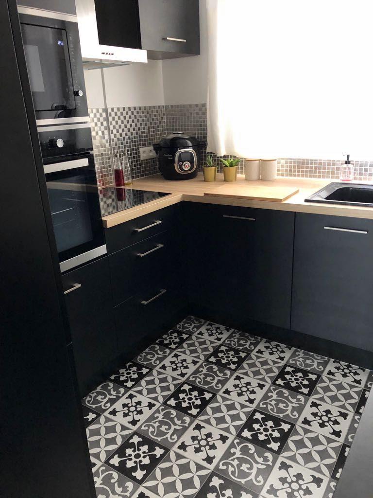 zoom sur ma cuisine industrielle noire mes articles de. Black Bedroom Furniture Sets. Home Design Ideas