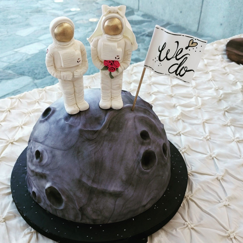 NASA Astronaut on the moon themes grooms cake. Figures