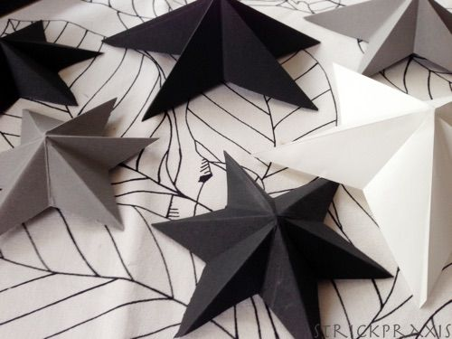 Ganz einfache 3D Sterne falten #weihnachtsbastelnmitkindernunter3