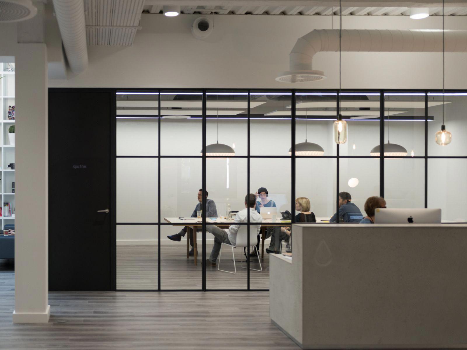 Office Designs India Officedesigns 이미지 포함 회의실 디자인 건축 사무실 사무실 인테리어 디자인
