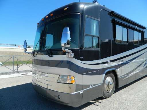 Check Out This 2004 Country Coach Affinity Listing In Krum Tx 76249 On Rvtrader Com It Is A Class A And Is For Sale At 109466 Rv Trader Rvs For Sale Country