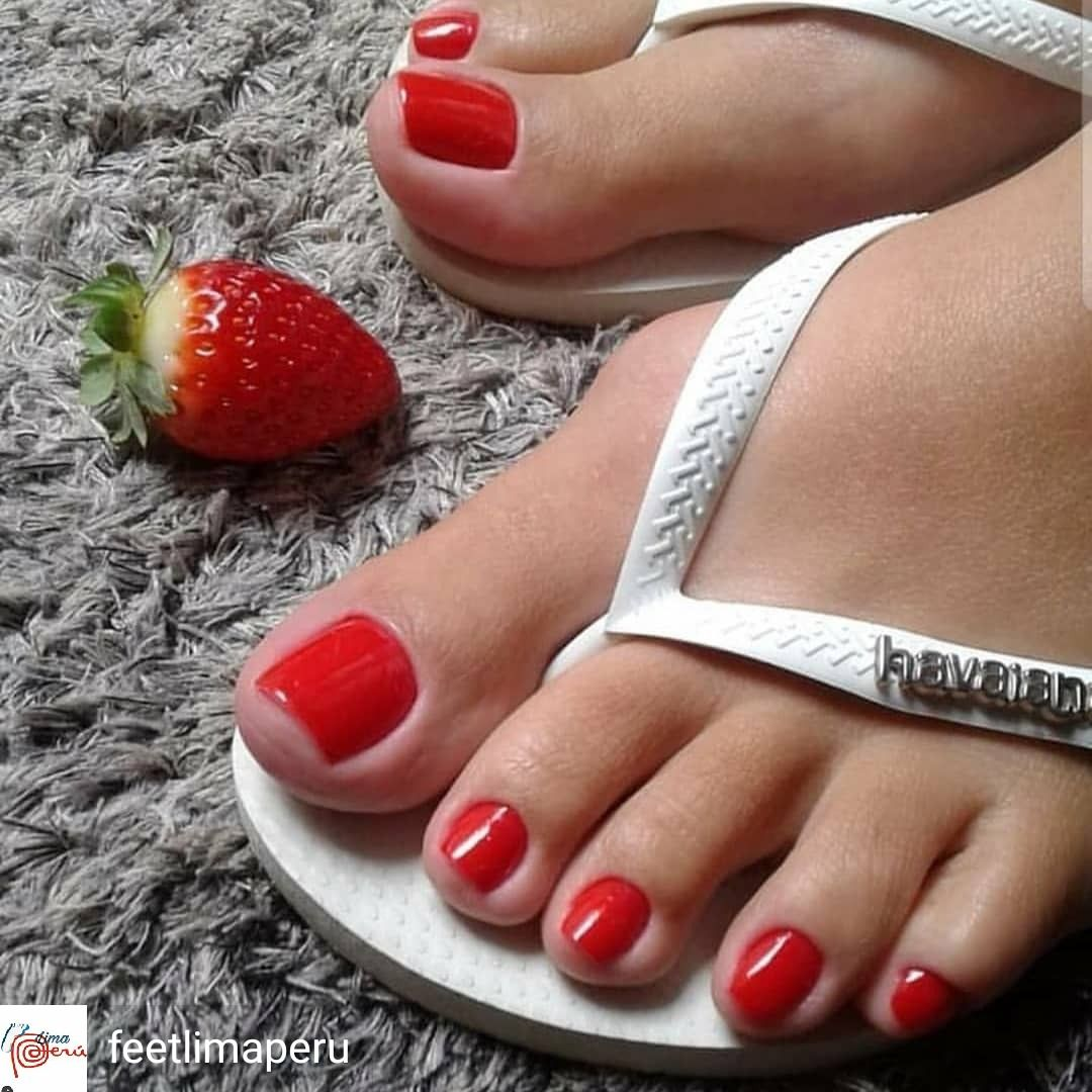 Stawberrys sexy toes