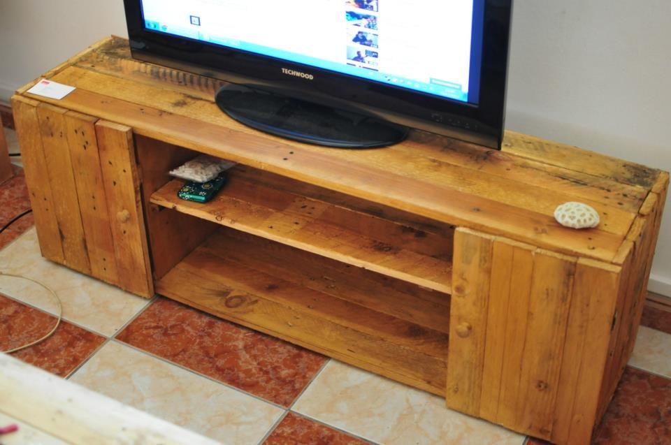 voici un meuble tv que jai ralis en bois de palettes a la base javais fait un plan dans blender logiciel de modlisation en mettant une - Meuble Tv En Palette Plan