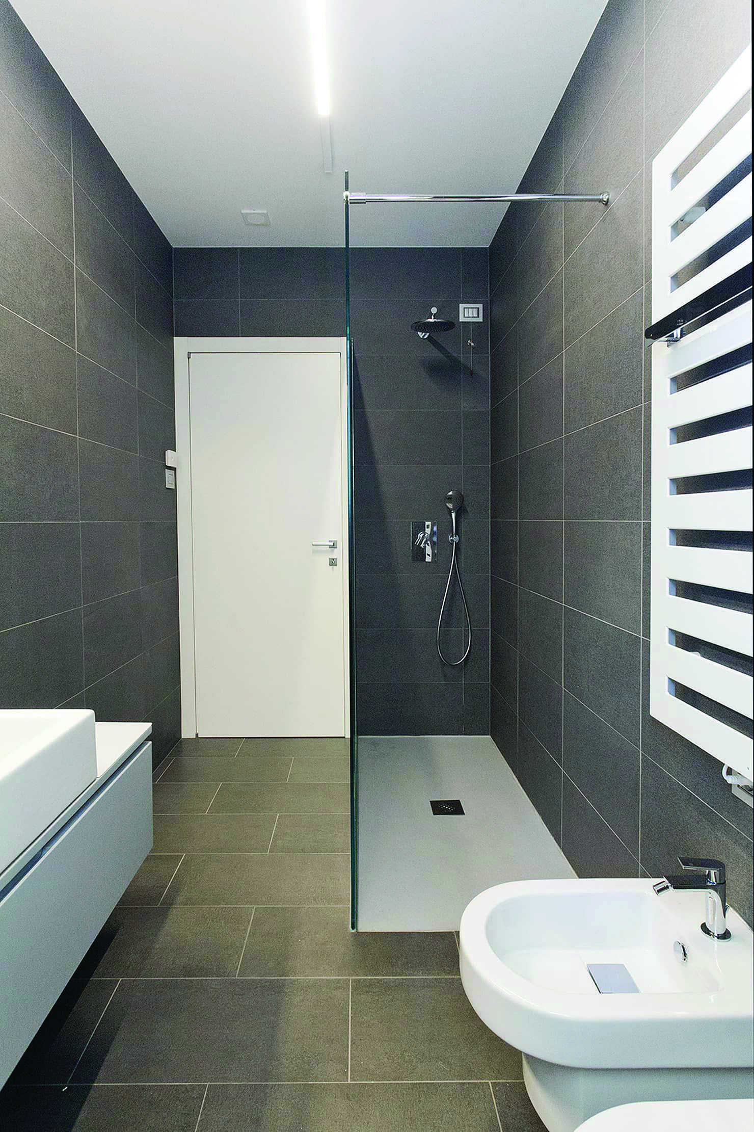 Bathroom Illumination Suggestions To Guarantee All Essential Fittings Are Lit Up Appropriate In 2020 Badezimmer Gestalten Badezimmer Badezimmer Klein