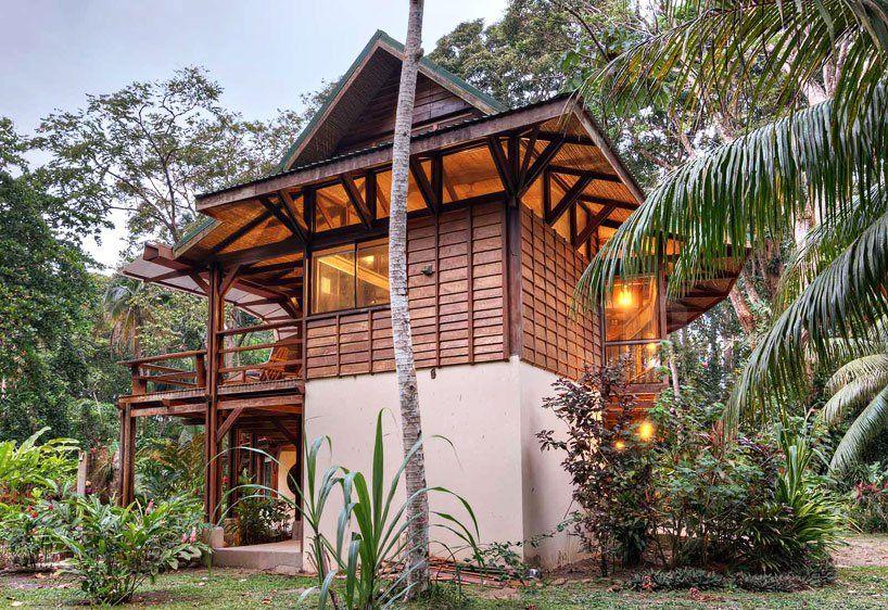benjamin garcia saxe sets smith residence amid costa rican