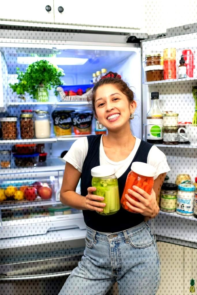 Learn how to store produce more efficiently and help it last longer in the refrigerator! Plus, you