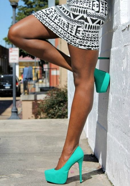 Black + White print skirt and bold Turquoise shoes