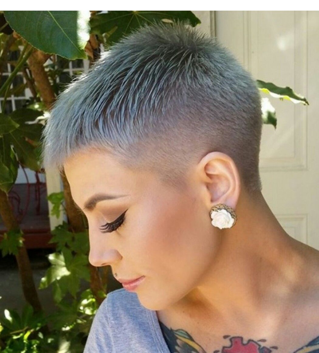 Pin by brenda on gave kapsels pinterest cut shorts hair cuts and short hair - Coupe undercut femme ...