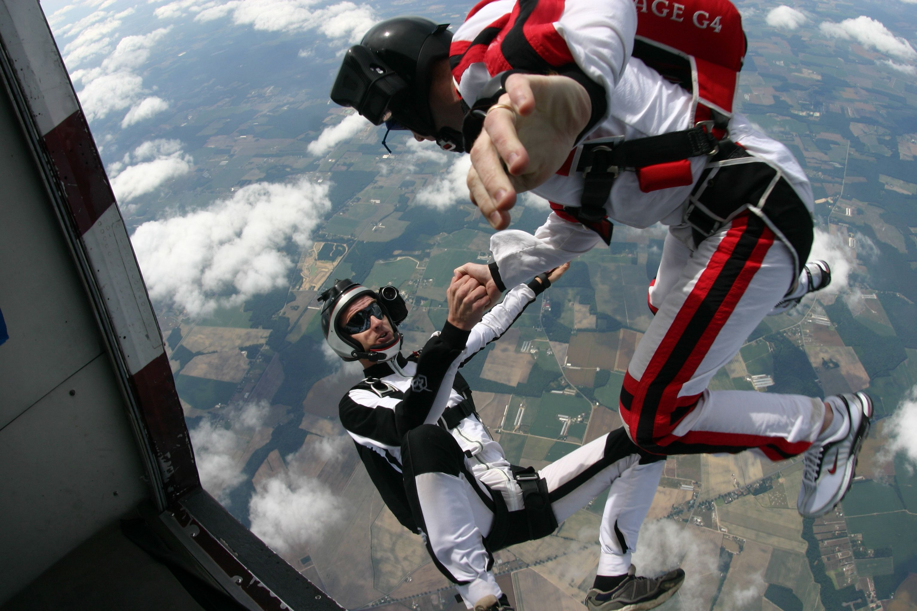 Jumping Out Of The Plane Extreme Sports Sports Amazing