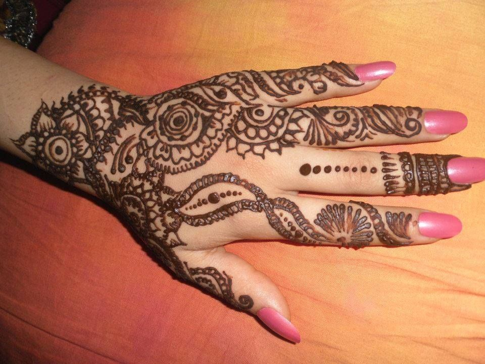 Mehndi Designs And S : Beautifull simple and easy mehndi designs. for party dresses