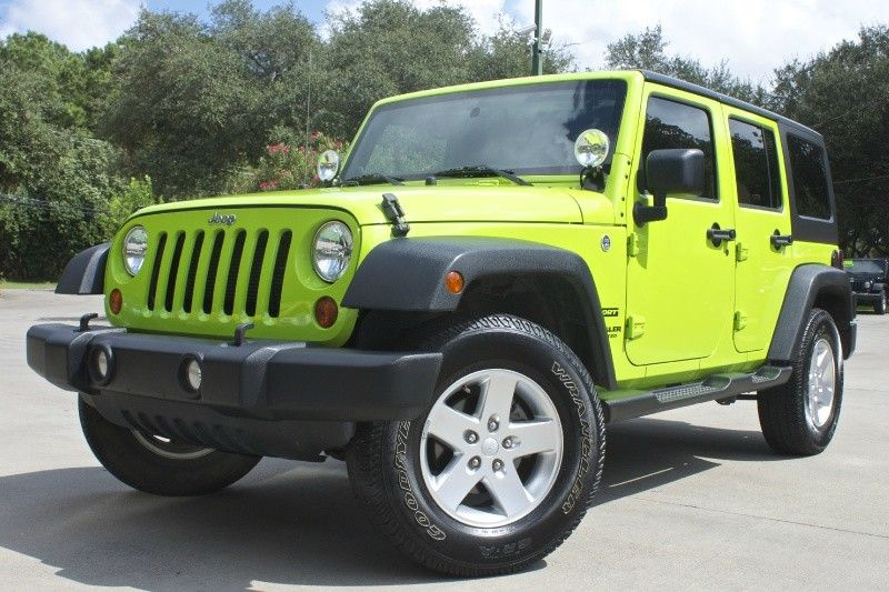 Gecko Green!! 2013 Unlimited Sport Hard Top, Automatic