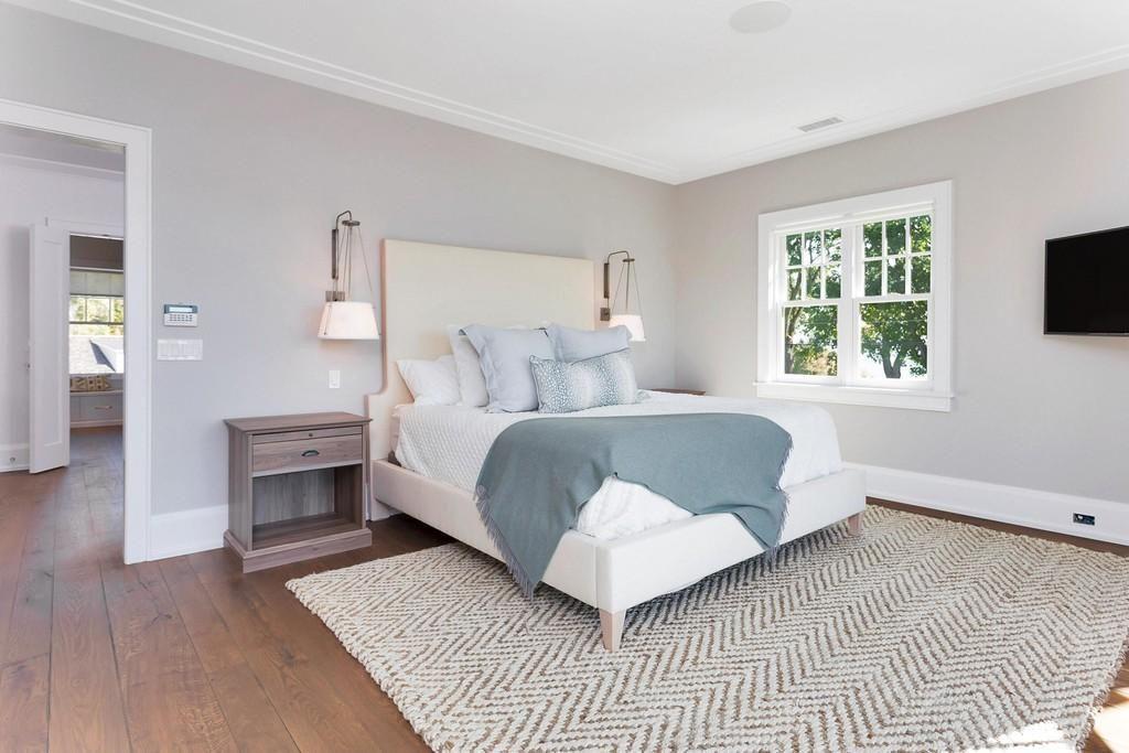 11 Nathan Hale Dr Norwalk Ct 06854 Realtor Com In 2020 Nathan Hale Norwalk Colonial Bedroom