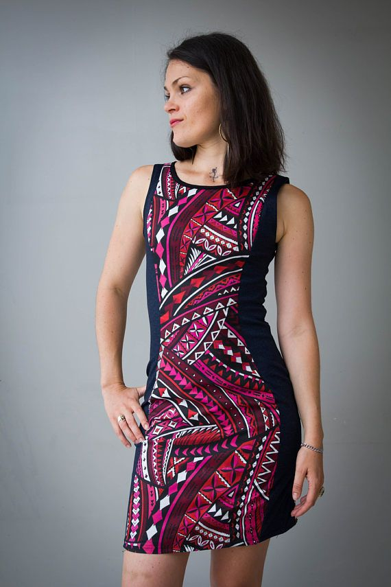 Photo femme en robe moulante