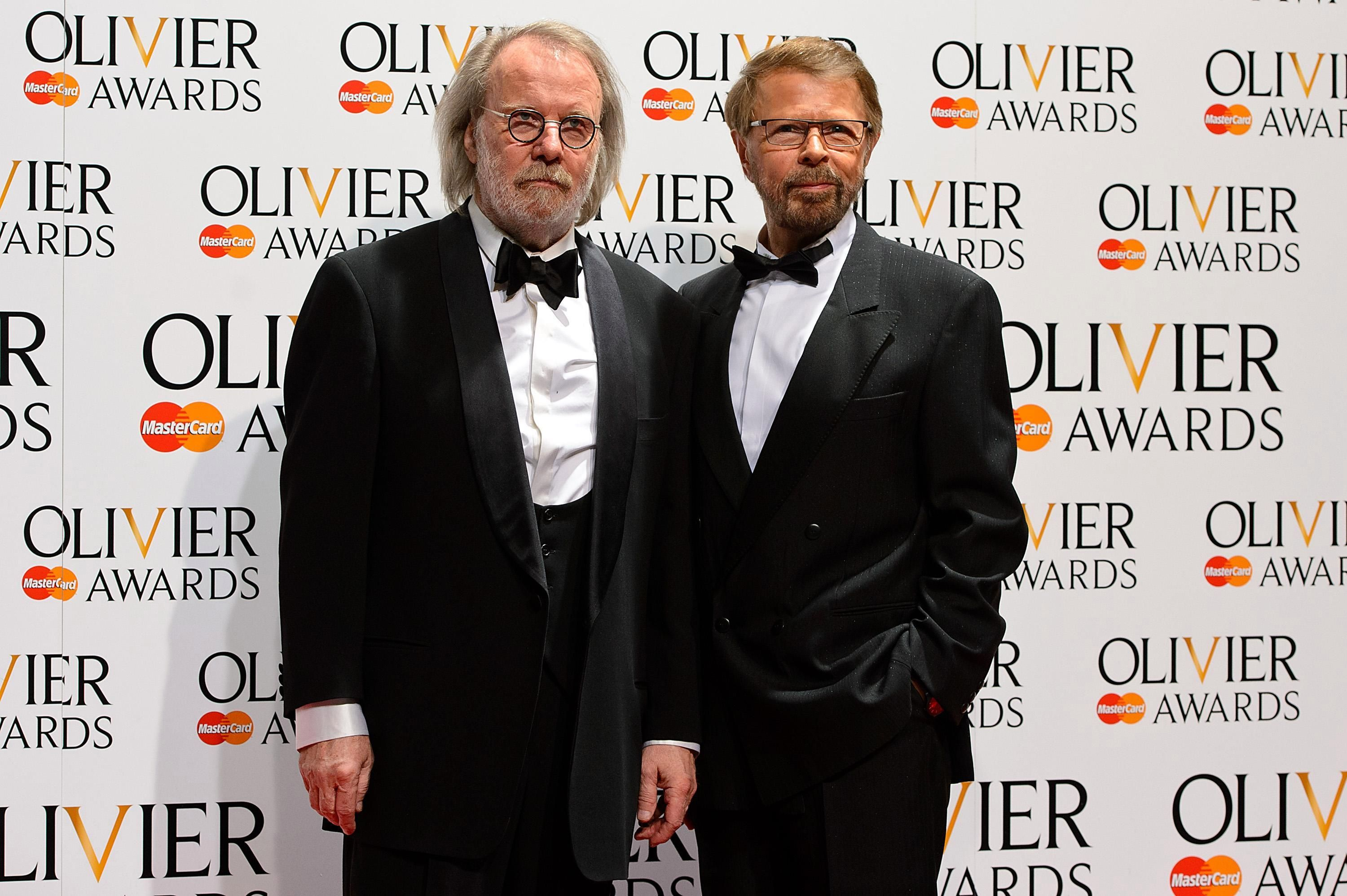 Simon Cowell Signs Abba Stars Benny Andersson And Bjorn Ulvaeus For X Factor Abba Simon Cowell Songwriting