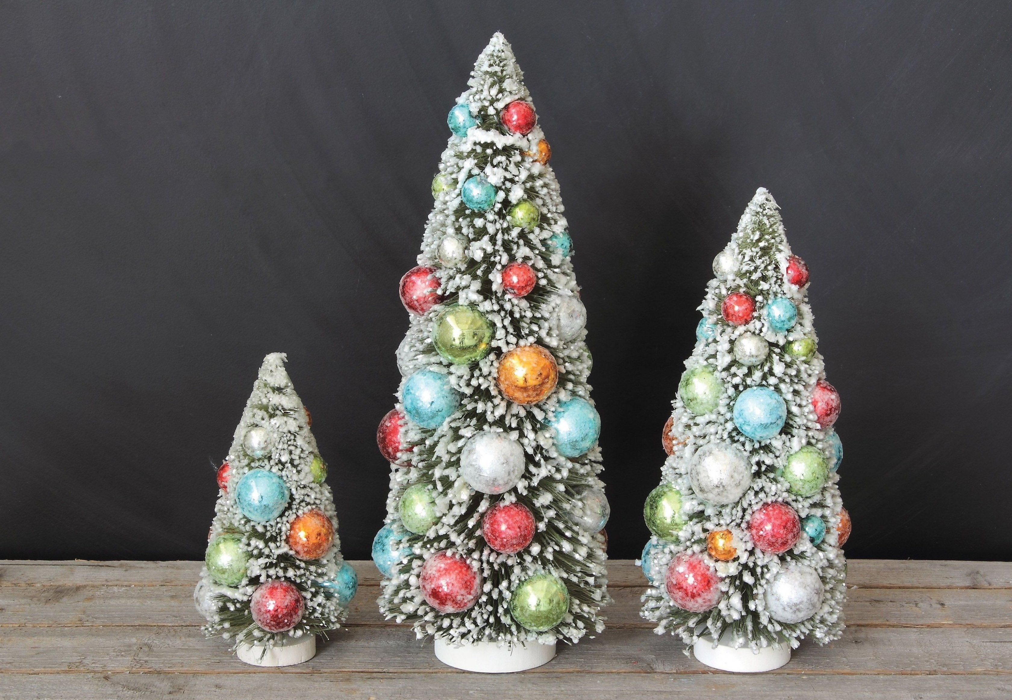 These Multicolor Bottle Brush Christmas Tree Figurines Can Be The Perfect Addition To T In 2020 Tabletop Christmas Tree Bottle Brush Christmas Trees Christmas Tree Set