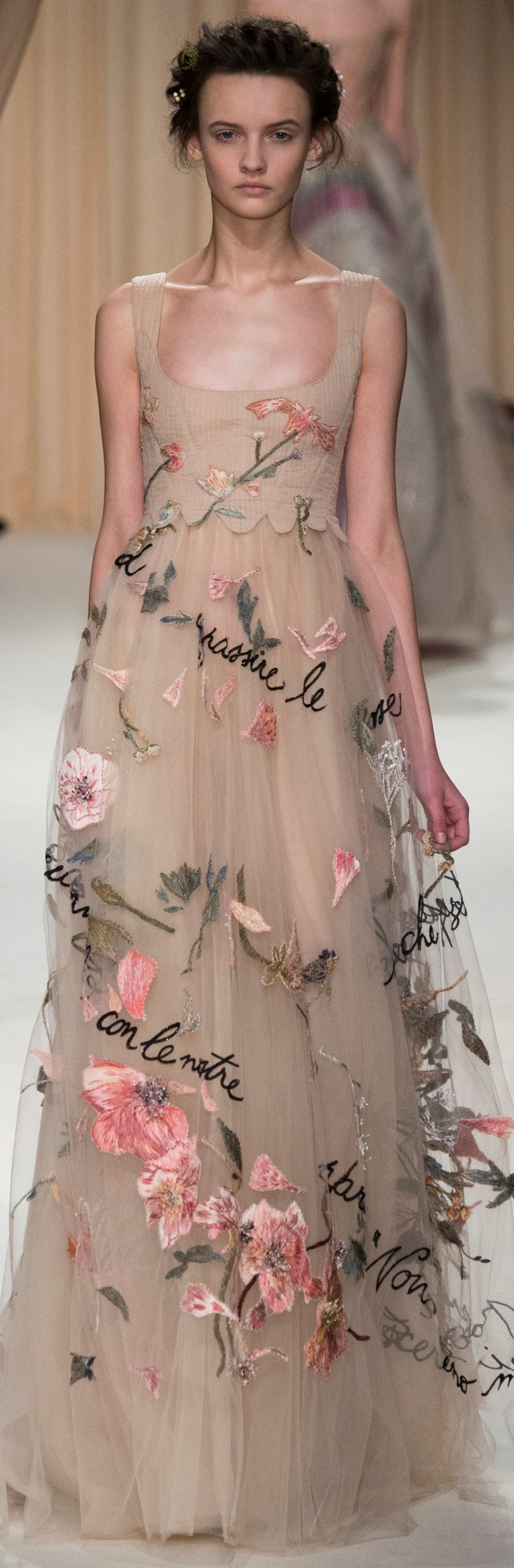 Valentino Beautiful Flower Adorned Fairy Wedding Or Ball Gown Romantic Gypsy Style That Frida