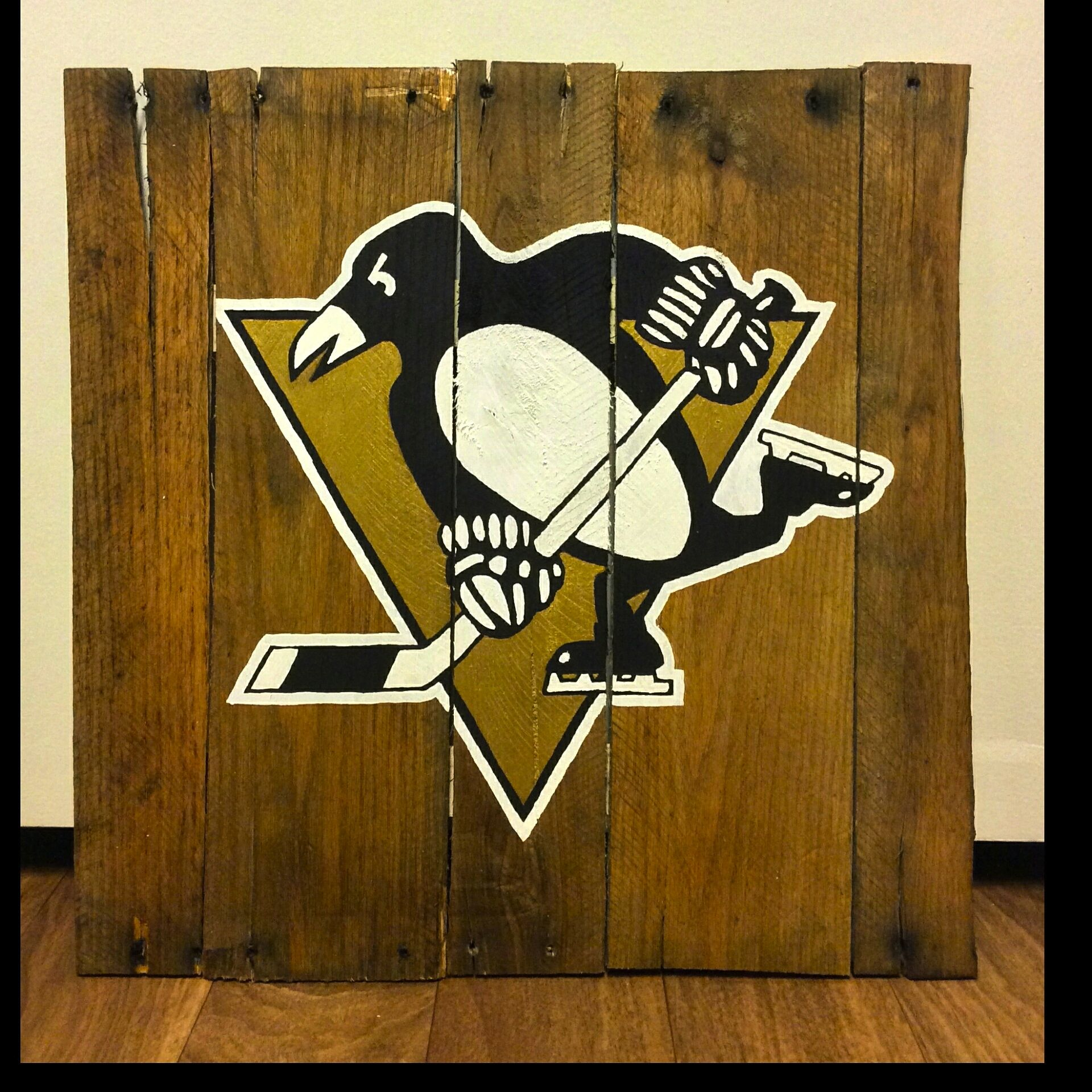 Pin By Jonesy Pallets On Sports Logos Pallet Art