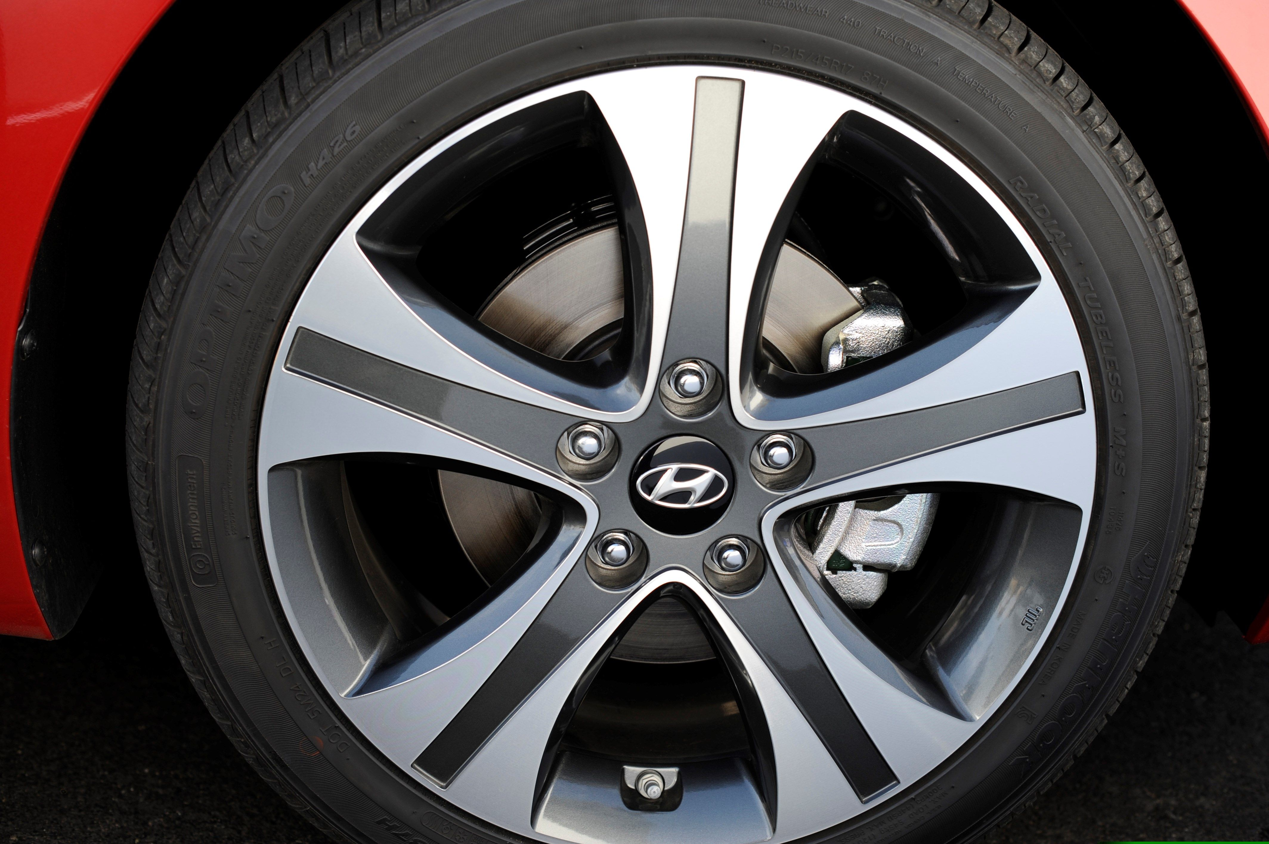 2015 hyundai sonata pricing options and specifications cleanmpg - 2014 Hyundai Elantra Sport Alloy Rims