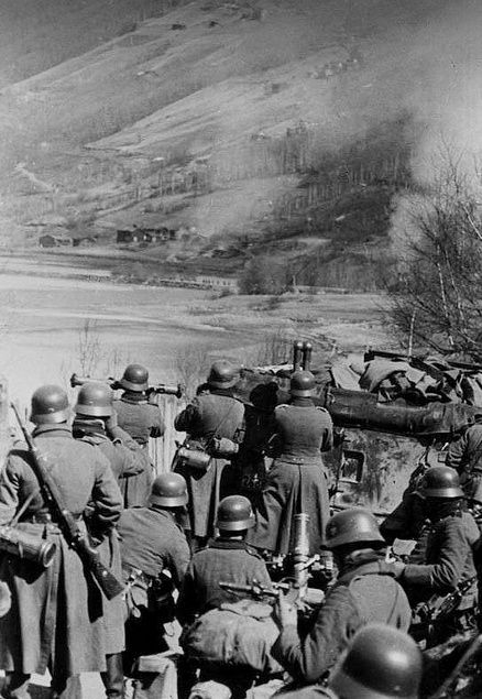 8 Cm Granatwerfer 34 8 Cm Gr W 34 Frontline Trondheim Grenade Launcher In Action Against A Pocket Of Resistance Norway In Trondheim