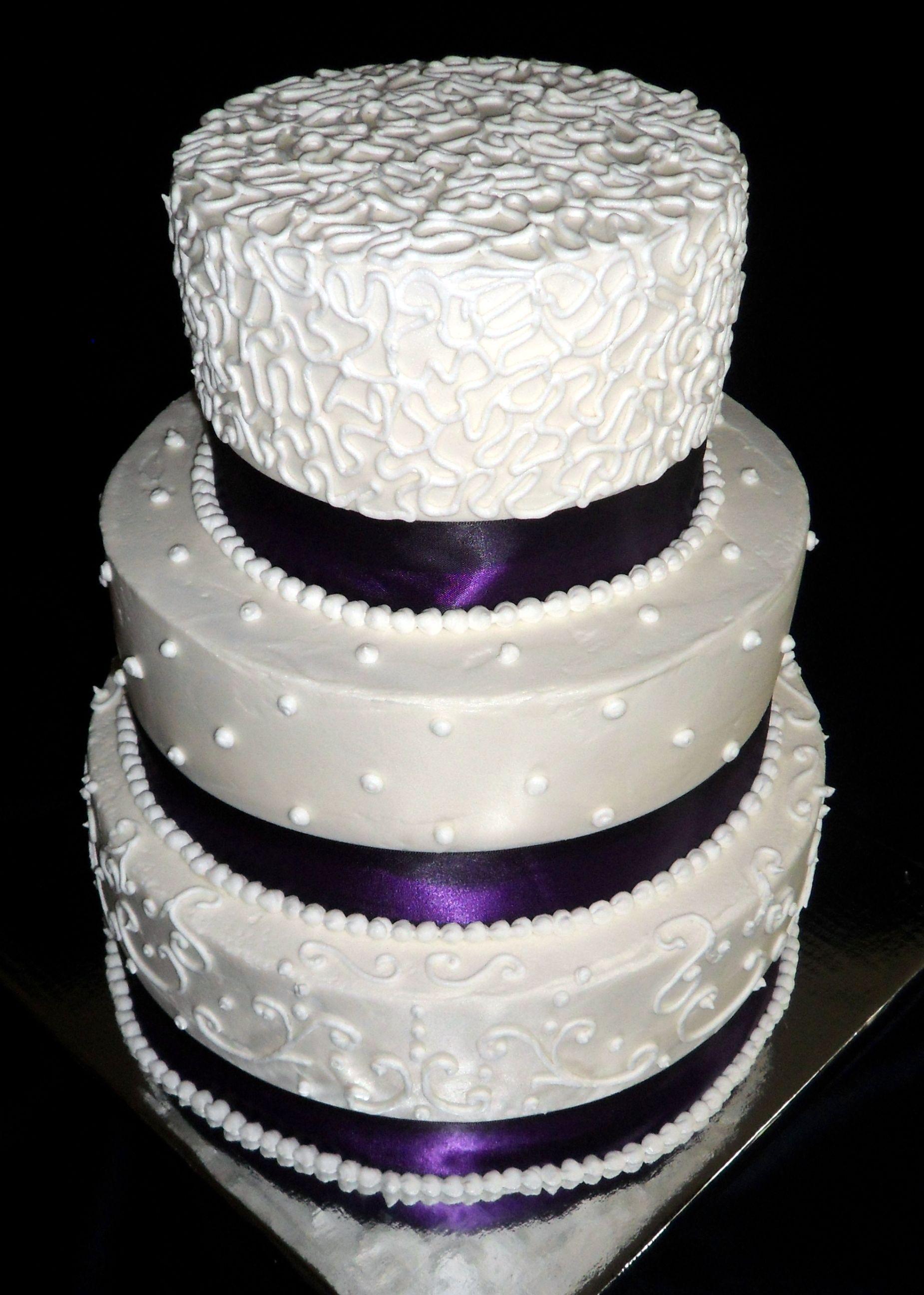 Buttercream Wedding Cake White buttercream, Round