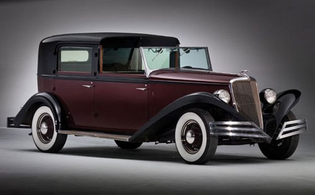 A timelessly elegant 1934 Brewster Ford Town Car. #vintage #1930s #cars : ford cars 1930s - markmcfarlin.com
