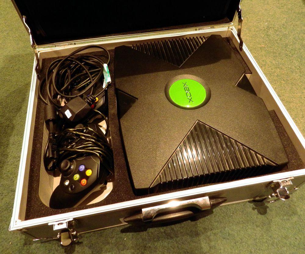 XBox Console Bundle with Hard Case Xbox console, Xbox
