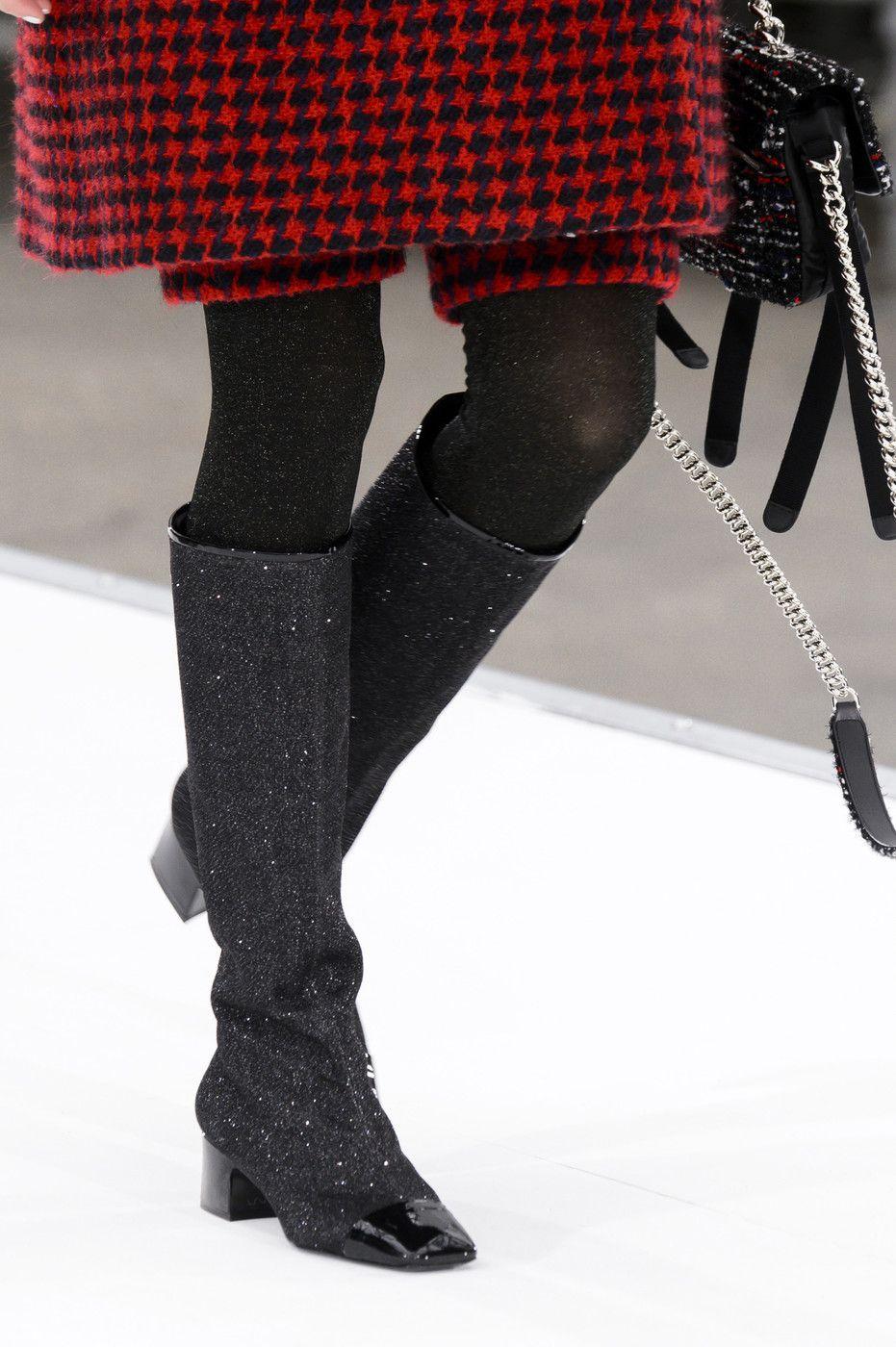 Chanel at Paris Fall 2017 (Details)